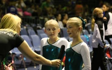 Zusjes uit Garderen nemen deel aan het WK Junioren trampolinespringen